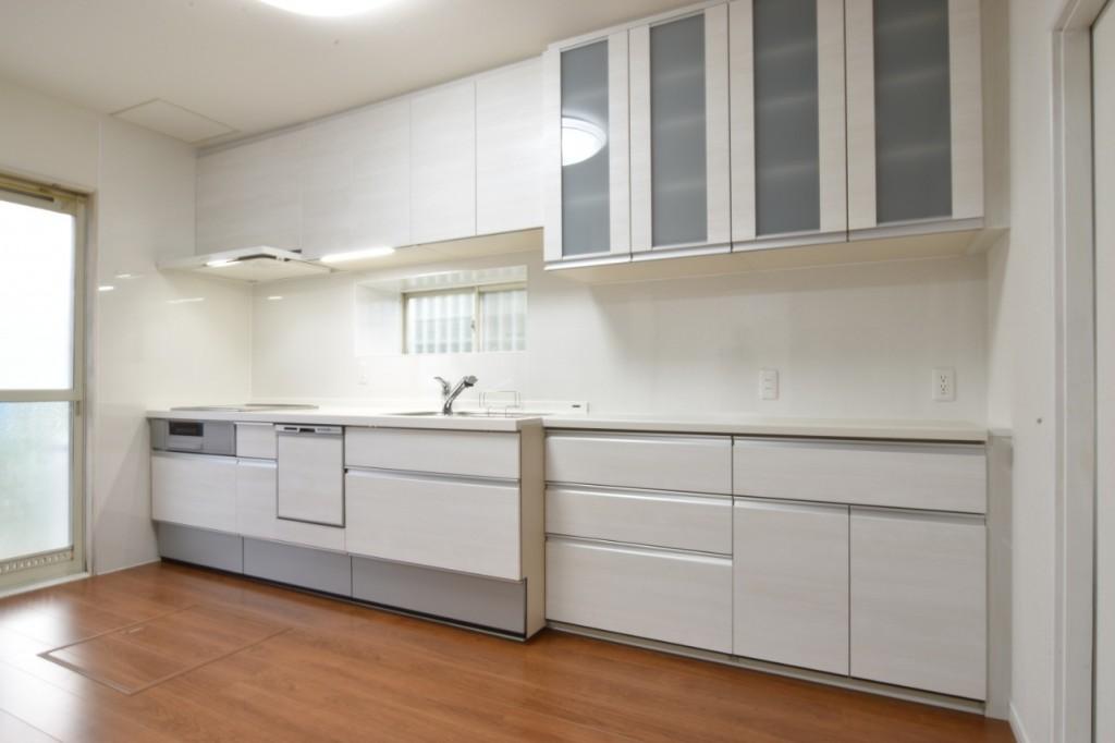 食器洗浄乾燥器と浴室換気乾燥暖房器で家事を助ける!LDK浴室洗面所オール電化工事!