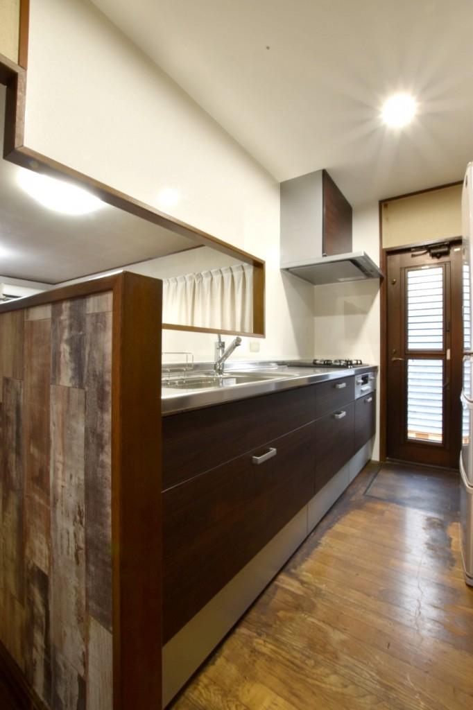 吊戸棚を撤去してスッキリとしたキッチンに変身!キッチン&トイレリフォーム工事!