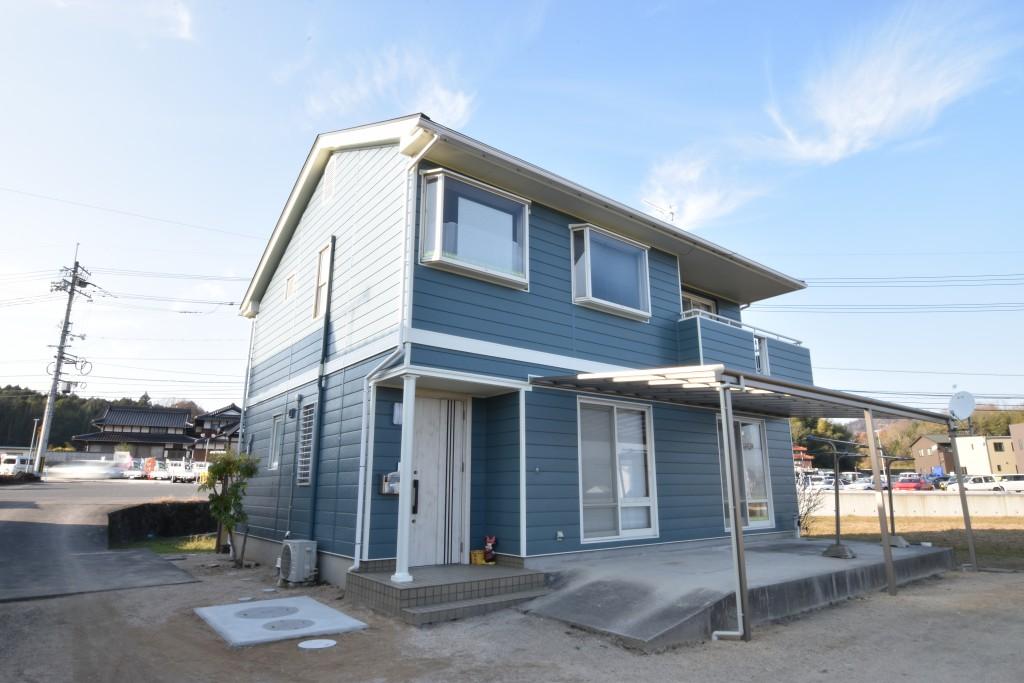 ブルーグラスの外壁が美しい♪外壁塗装・屋根カバー工事!