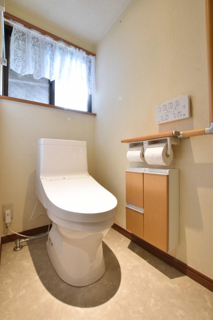 古くなったトイレをリフレッシュ!トイレ取替工事!