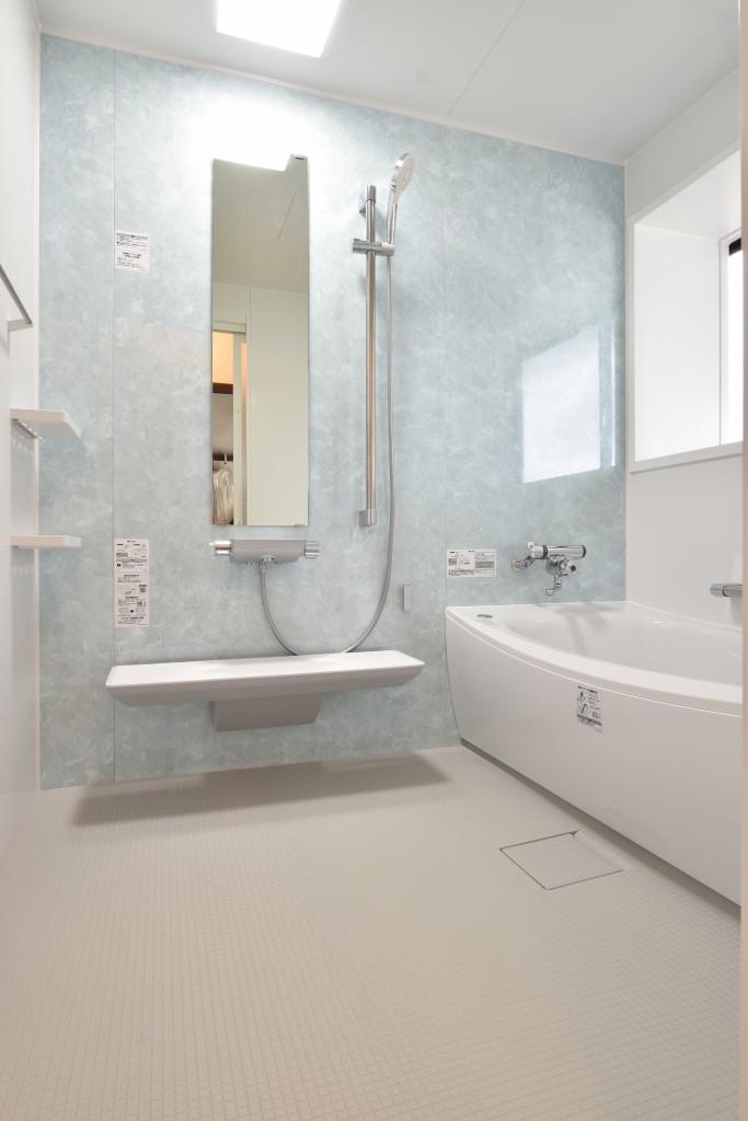 こだわりのアクセントで明るく爽やかな印象に!浴室洗面リフォーム工事!