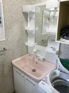東広島市黒瀬町 M様邸 洗面台トイレ浴室シート工事