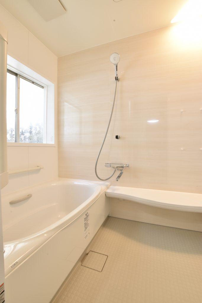 暖かく快適な空間に。浴室洗面所工事!