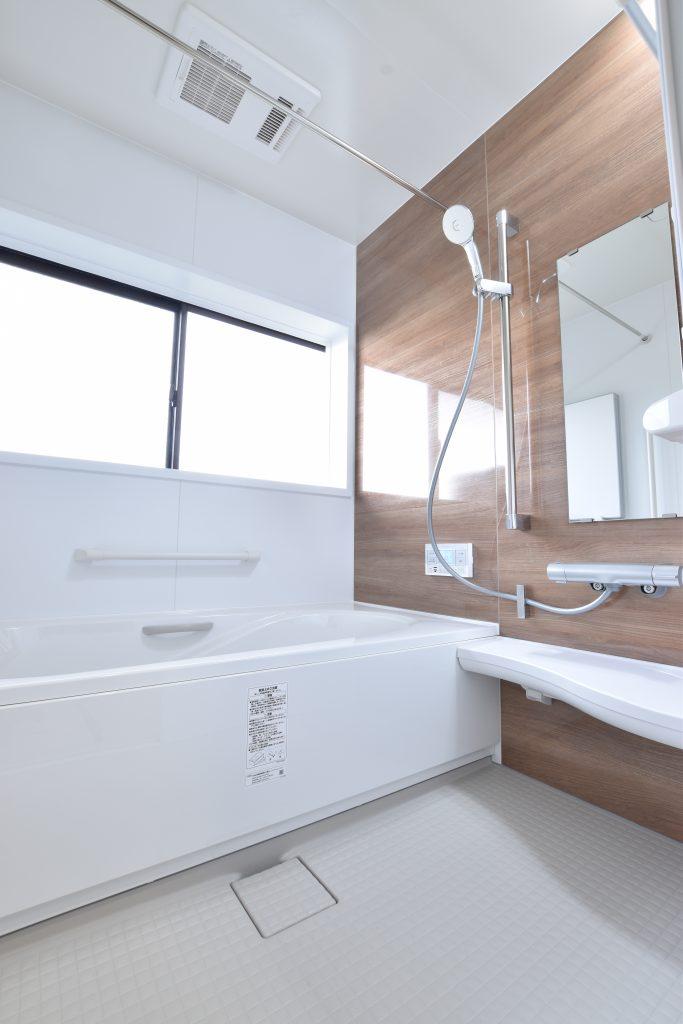 最新のユニットバスに大変身♪浴室リフォーム工事!!