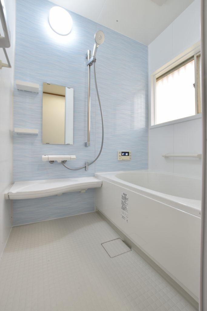 内装に青色を取り入れ清潔感のある浴室に♪浴室洗面トイレ改装工事!
