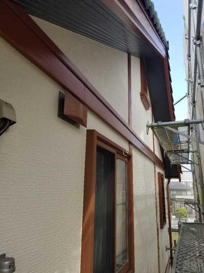 低汚染塗料+防カビ剤で塗膜をガード!外壁塗装工事!