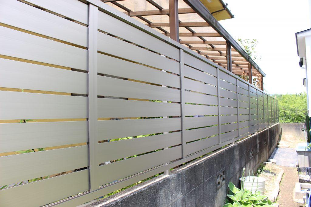 シンプルでスッキリとしたデザイン!フェンス設置工事!